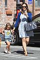 jennifer garner menchies with seraphina 09