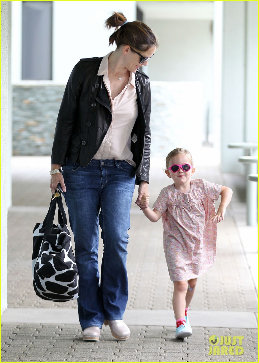 jennifer garner girls day out 01