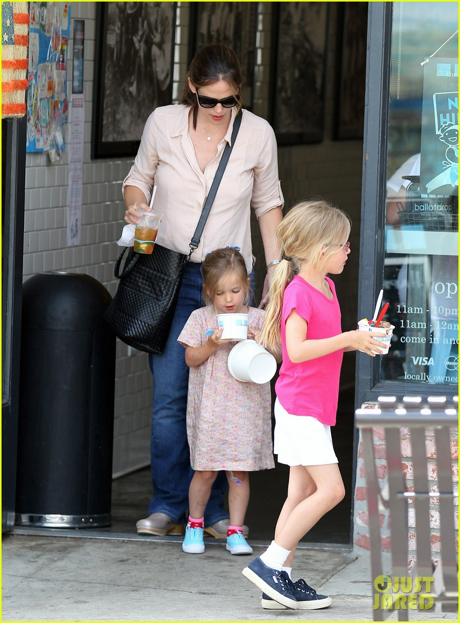 jennifer garner girls day out 06