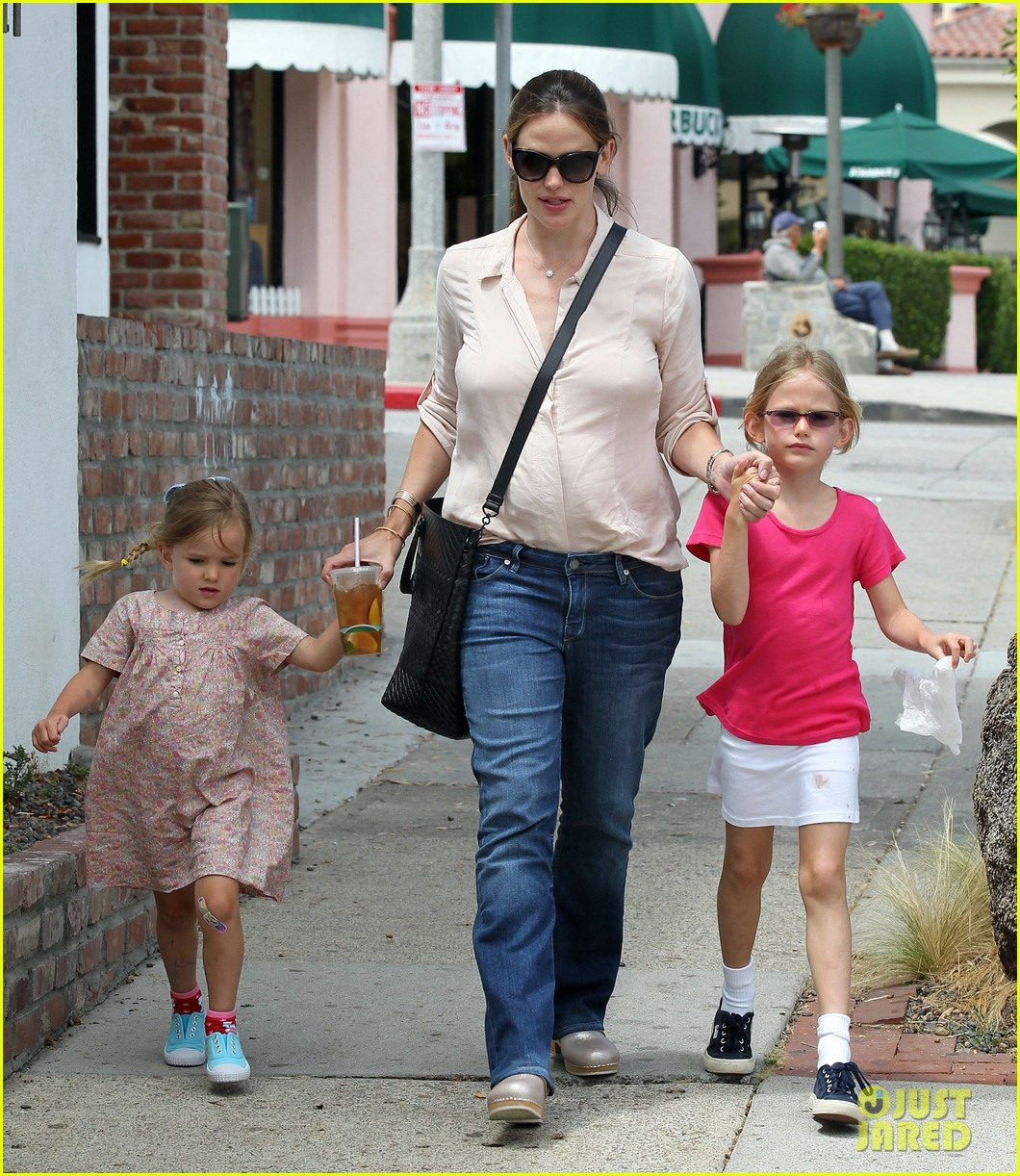 jennifer garner girls day out 08