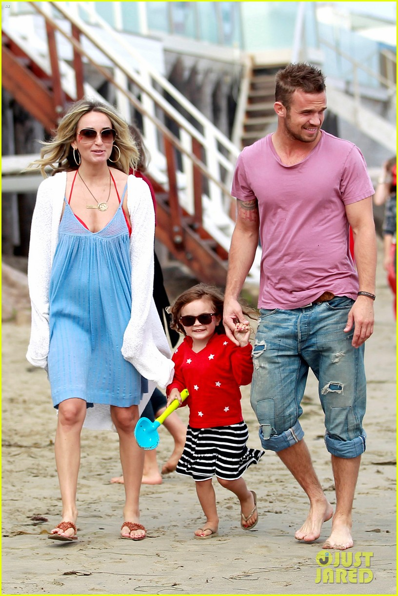 cam gigandet dominique geisendorff july 4 beach everleigh 022683412