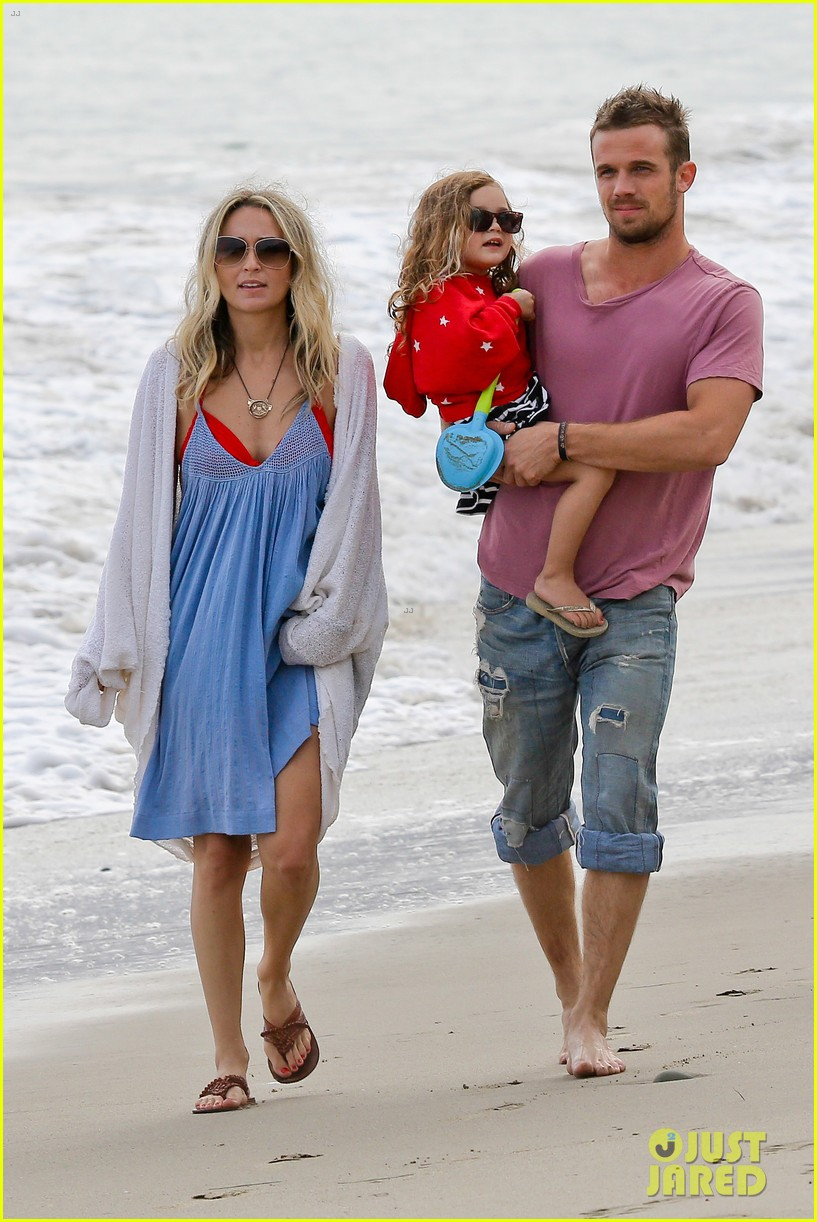 cam gigandet dominique geisendorff july 4 beach everleigh 032683413