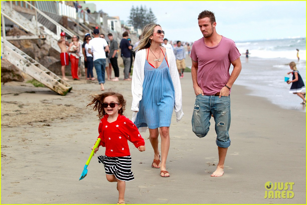 cam gigandet dominique geisendorff july 4 beach everleigh 04