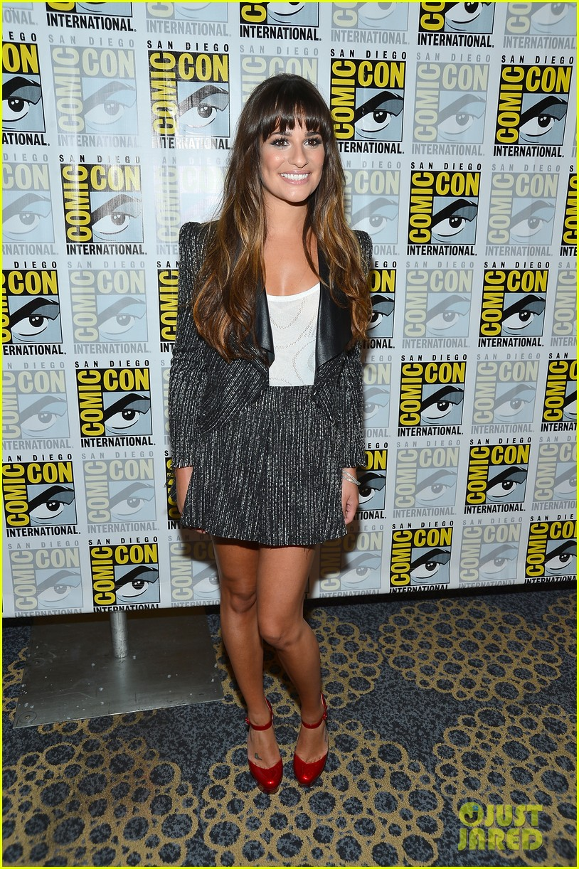 lea michele glee cast hits comic con 2012 102687490