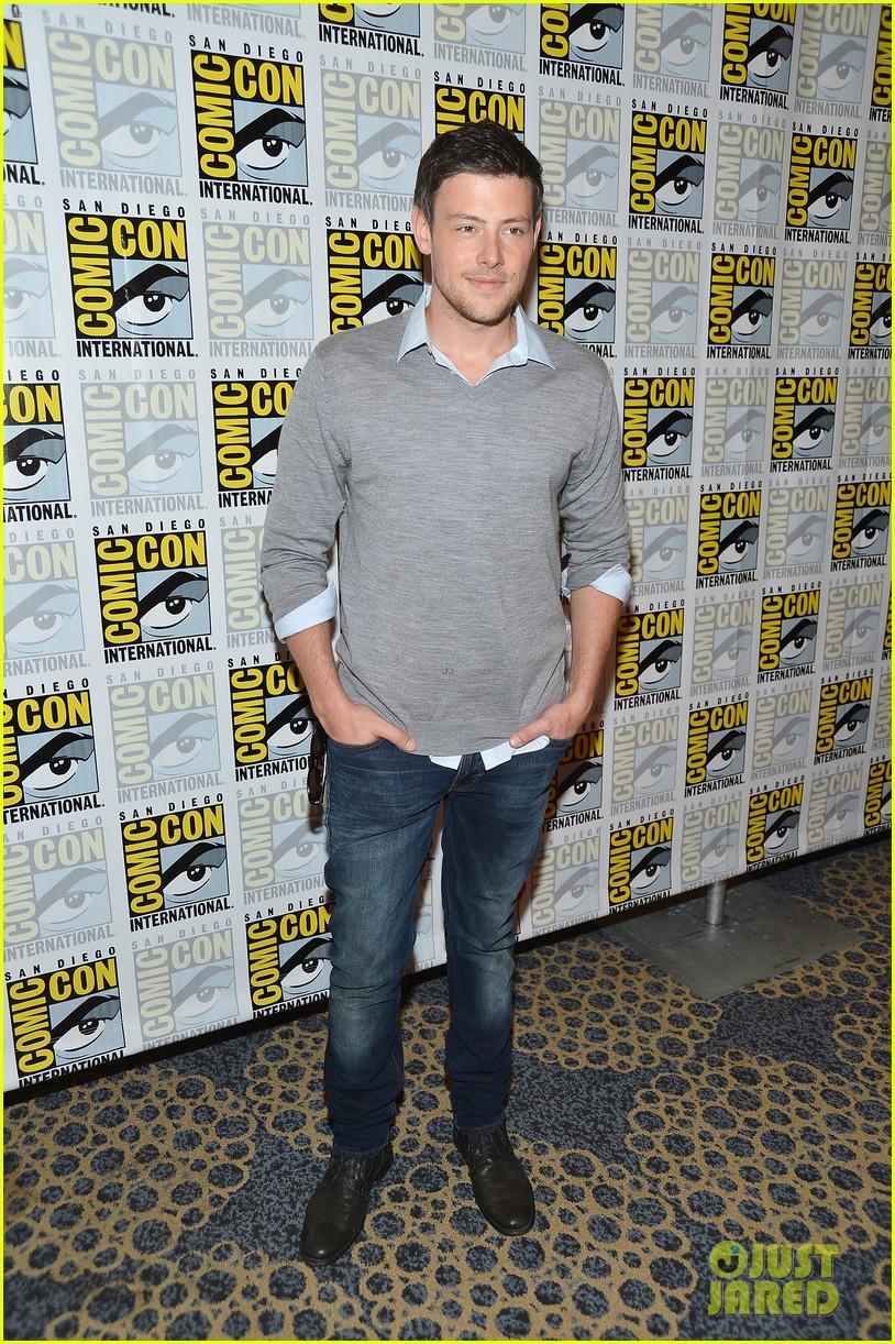 lea michele glee cast hits comic con 2012 262687506