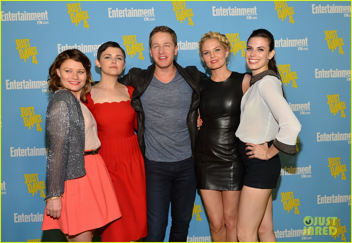 once upon a time comic con 032687775