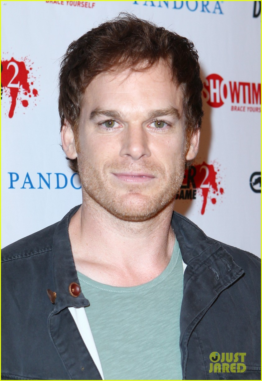 michael c hall lucy liu dexter elementary at comic con 022687355