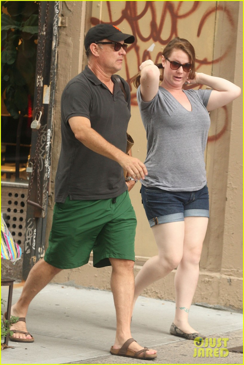 tom hanks out with chet and elizabeth 042693343