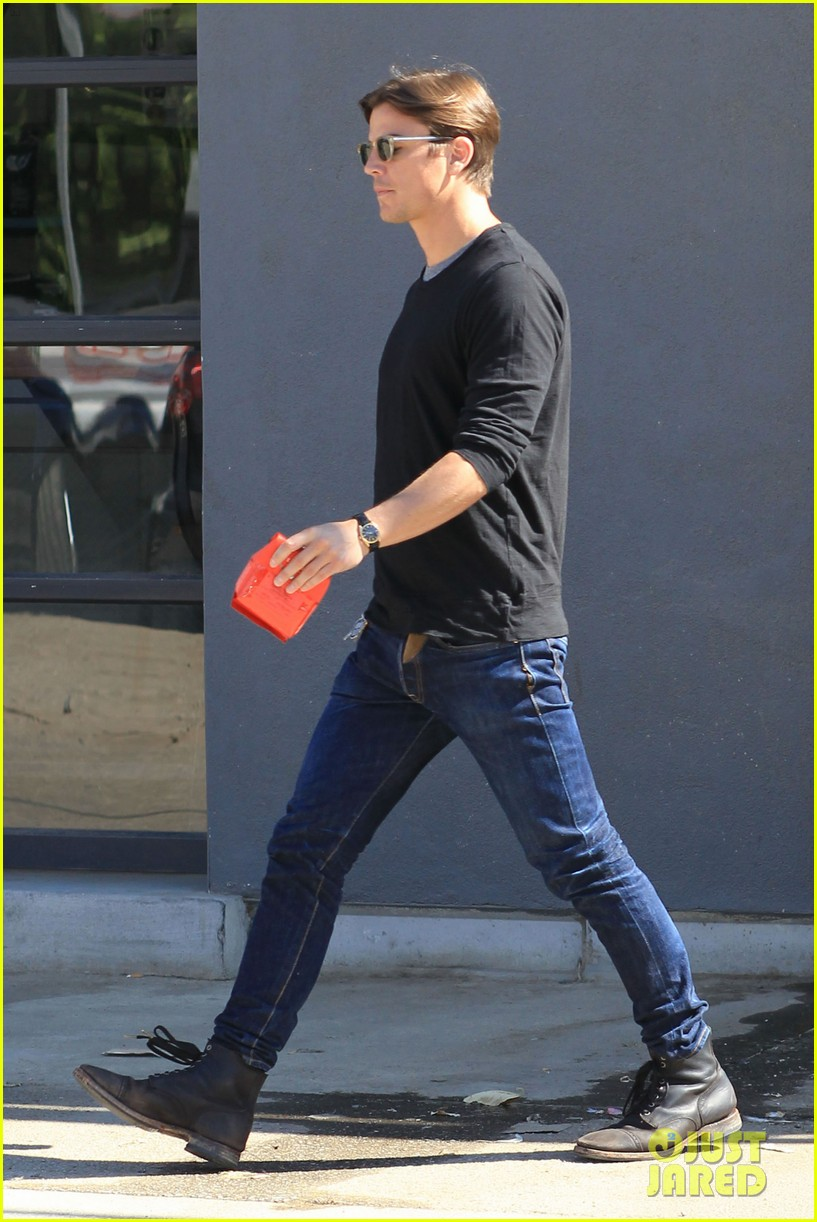 josh hartnett out for coffee 03
