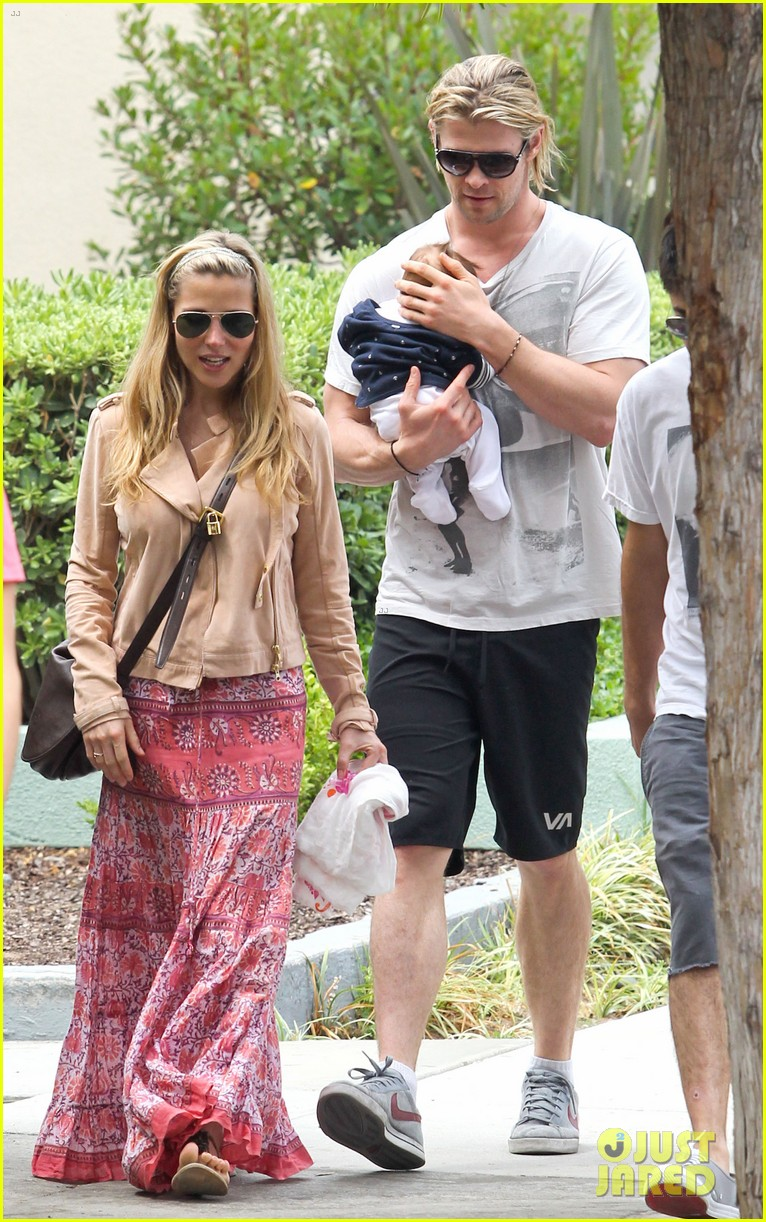 chris hemsworth elsa pataky kafe k india 13