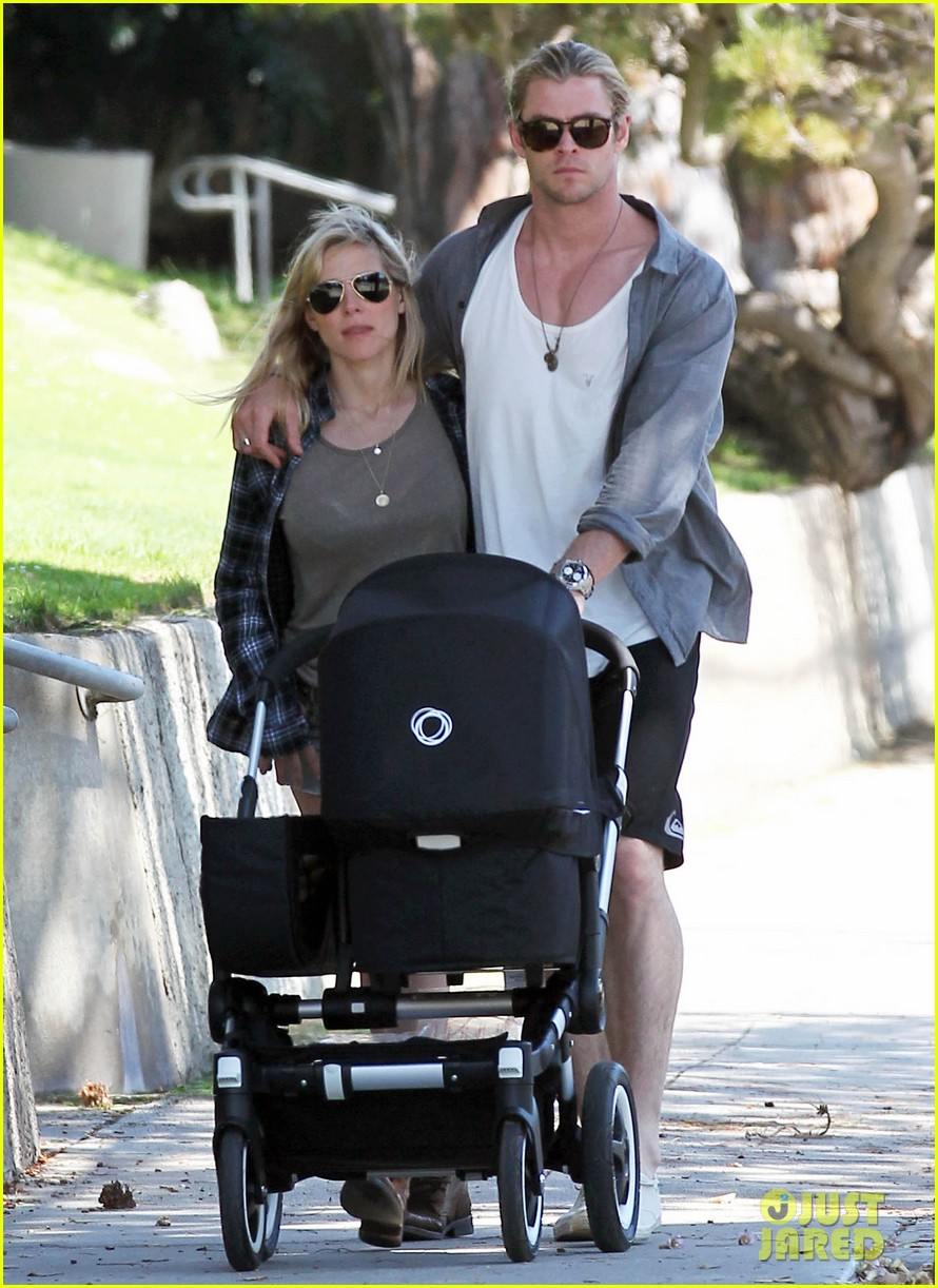 chris hemsworth elsa pataky santa monica stroll with baby india 102688653