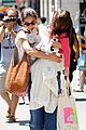 katie holmes suri sunday shoppers 05