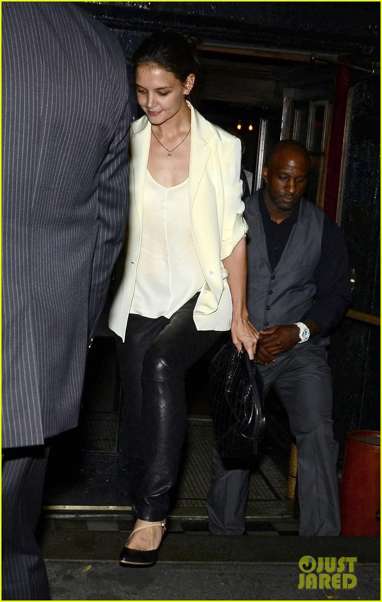 Katie Holmes' Divorce Weapon: Disposable Cell Phone ... Katie Holmes Divorce