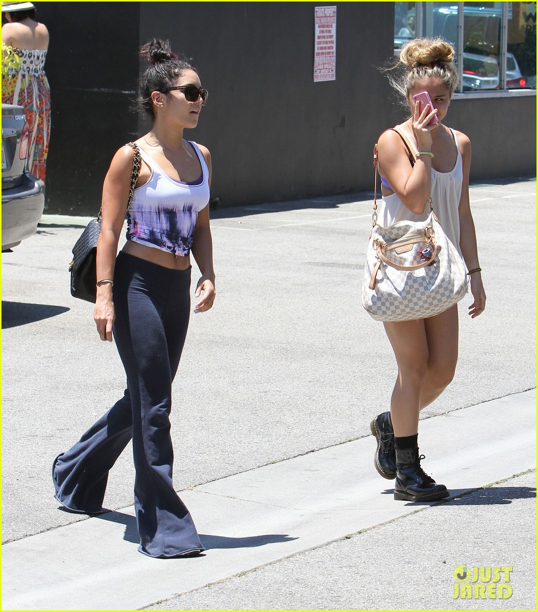vanessa hudgens austin butler lunch with stella 27