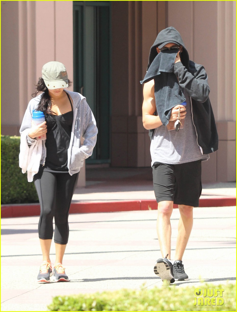 vanessa hudgens austin butler workout couple 03