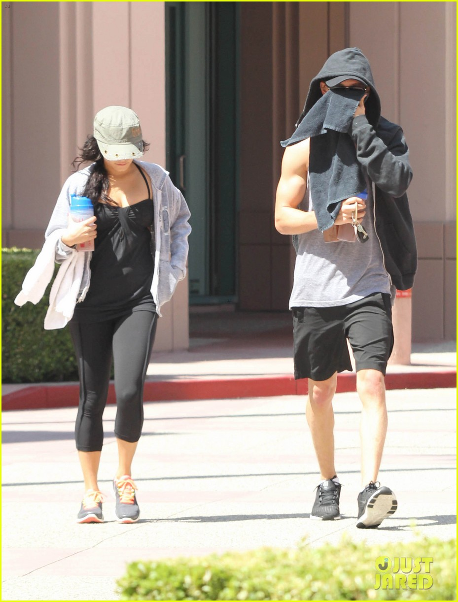 vanessa hudgens austin butler workout couple 112692395