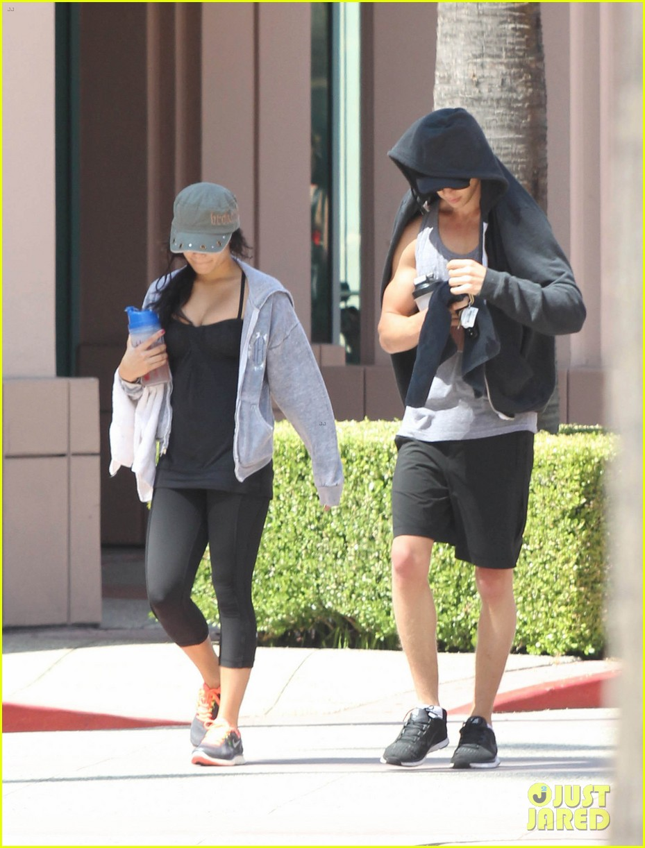vanessa hudgens austin butler workout couple 132692397