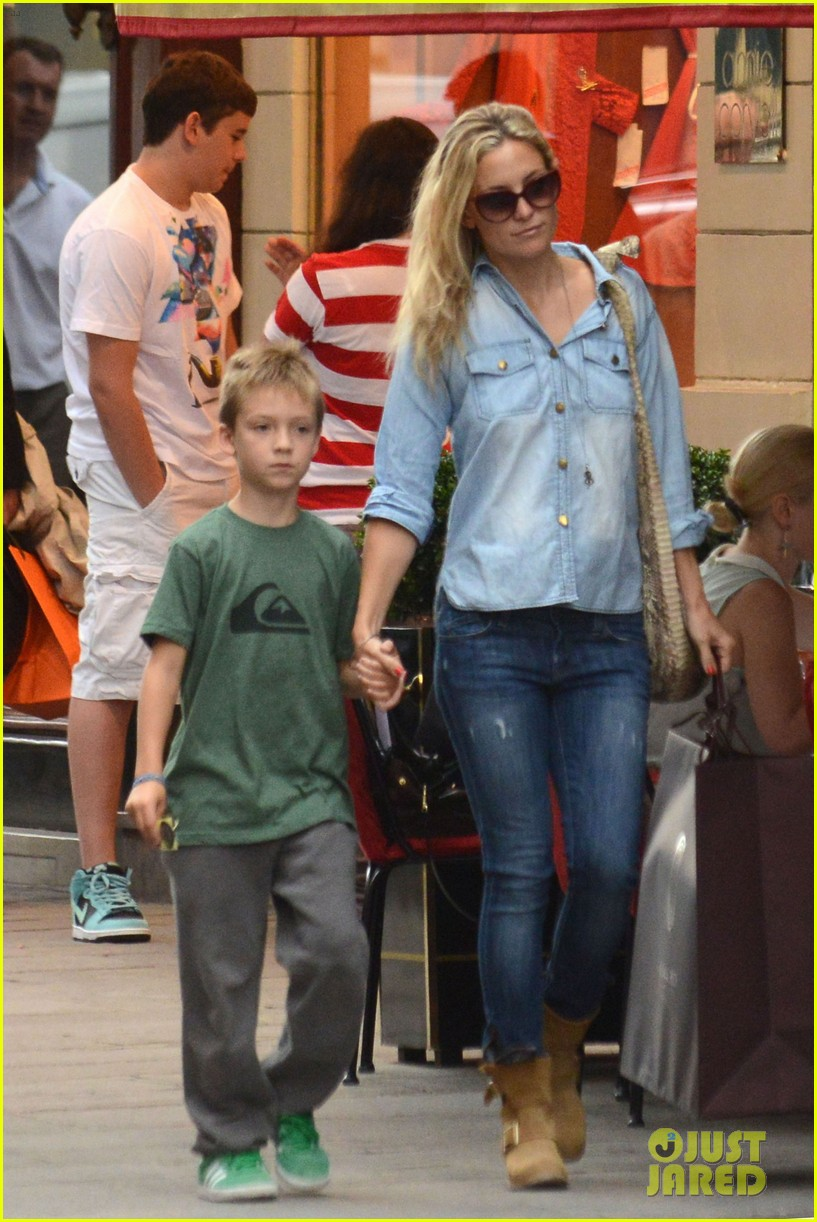 kate hudson shopping day with ryder 042683804