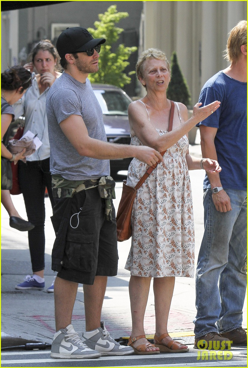 jake gyllenhaal mom naomi very good girls set 05