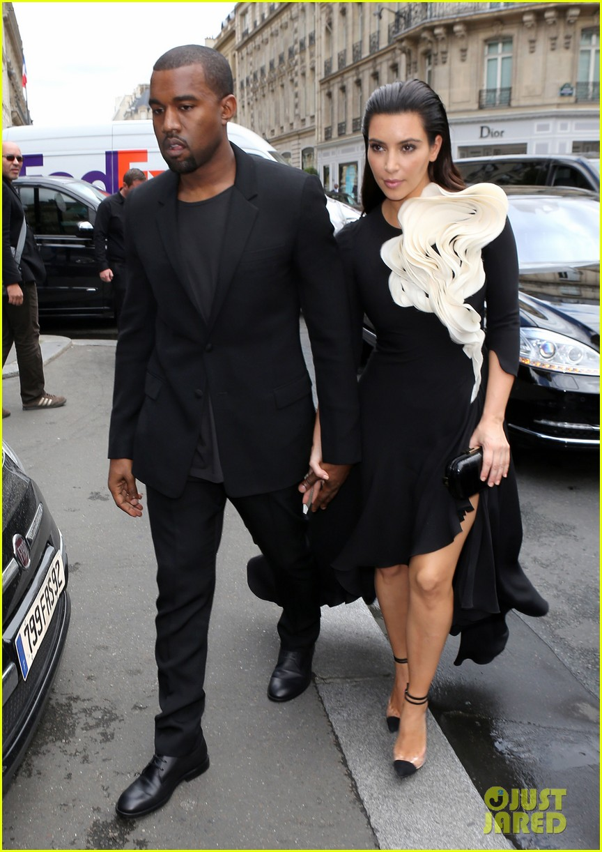kim kardashian stephane rolland show with kanye west 01