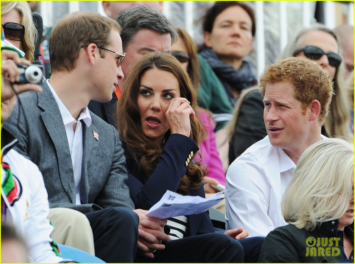 duchess kate prince william watch zara win silver medal 11