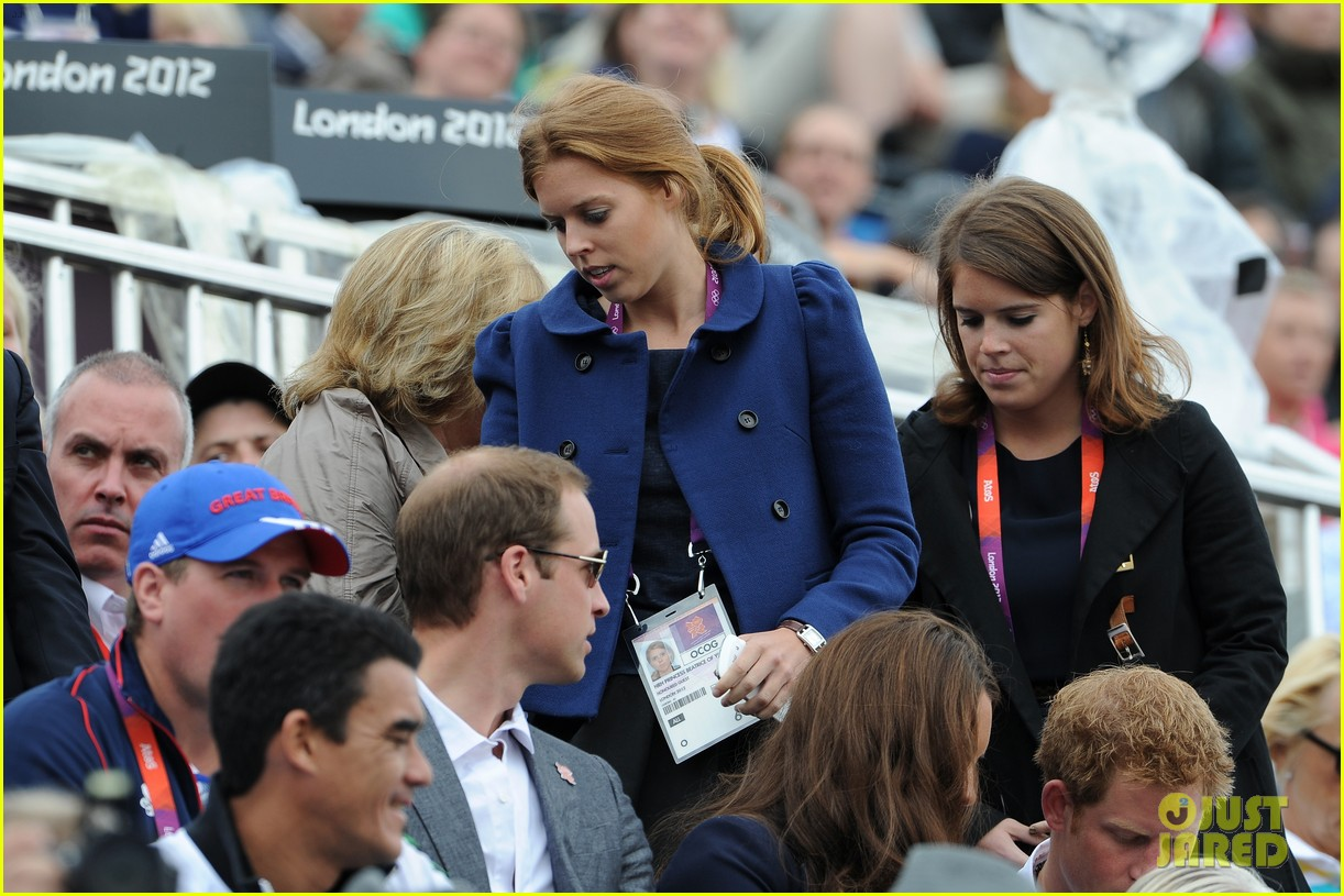 duchess kate prince william watch zara win silver medal 20