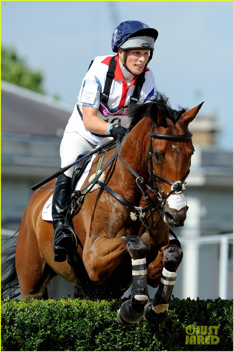 duchess kate prince william watch cousin zara phillips compete at olympics 032694322
