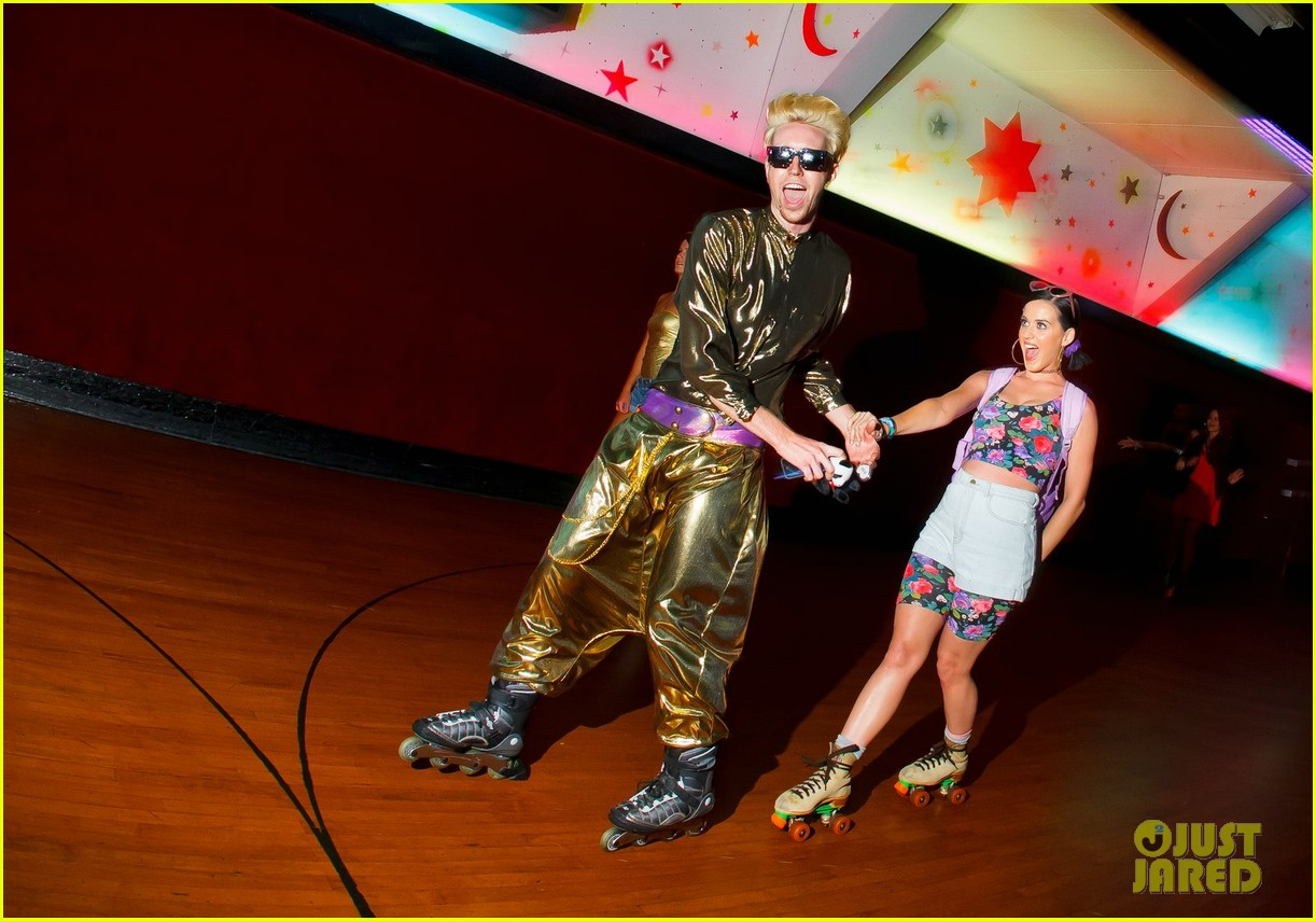 katy perry johnny wujek roller skating birthday party 12