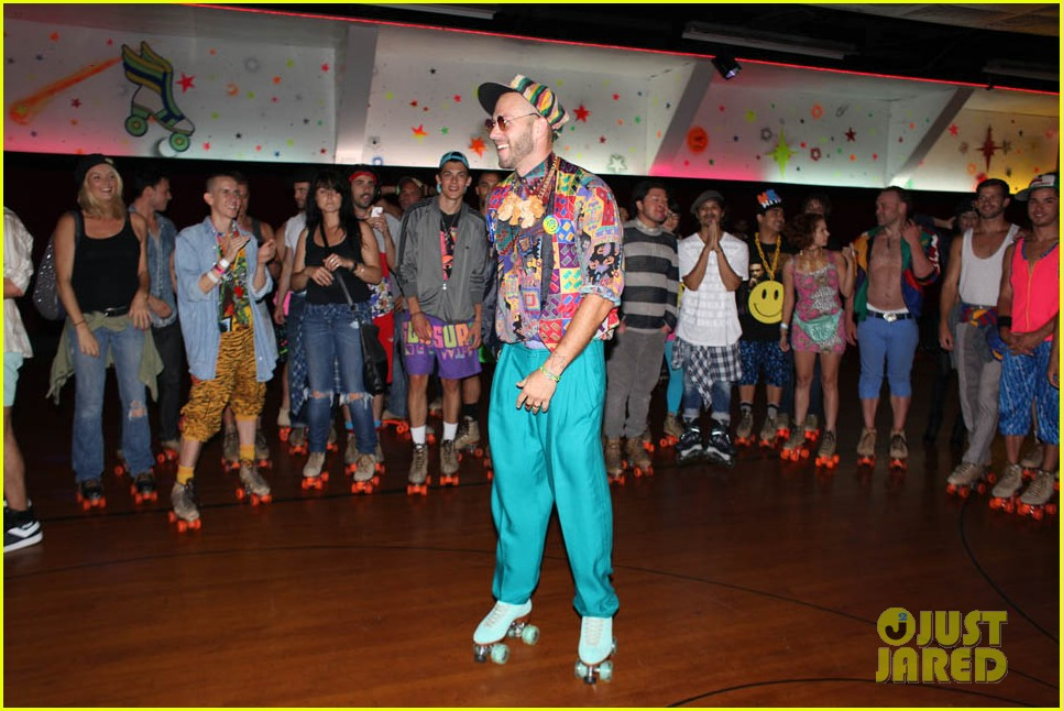 katy perry johnny wujek roller skating birthday party 37