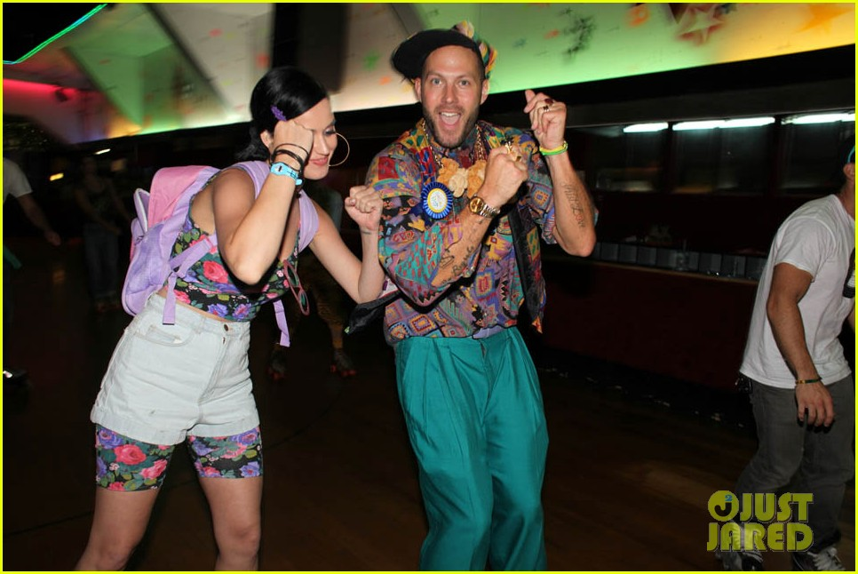 katy perry johnny wujek roller skating birthday party 41