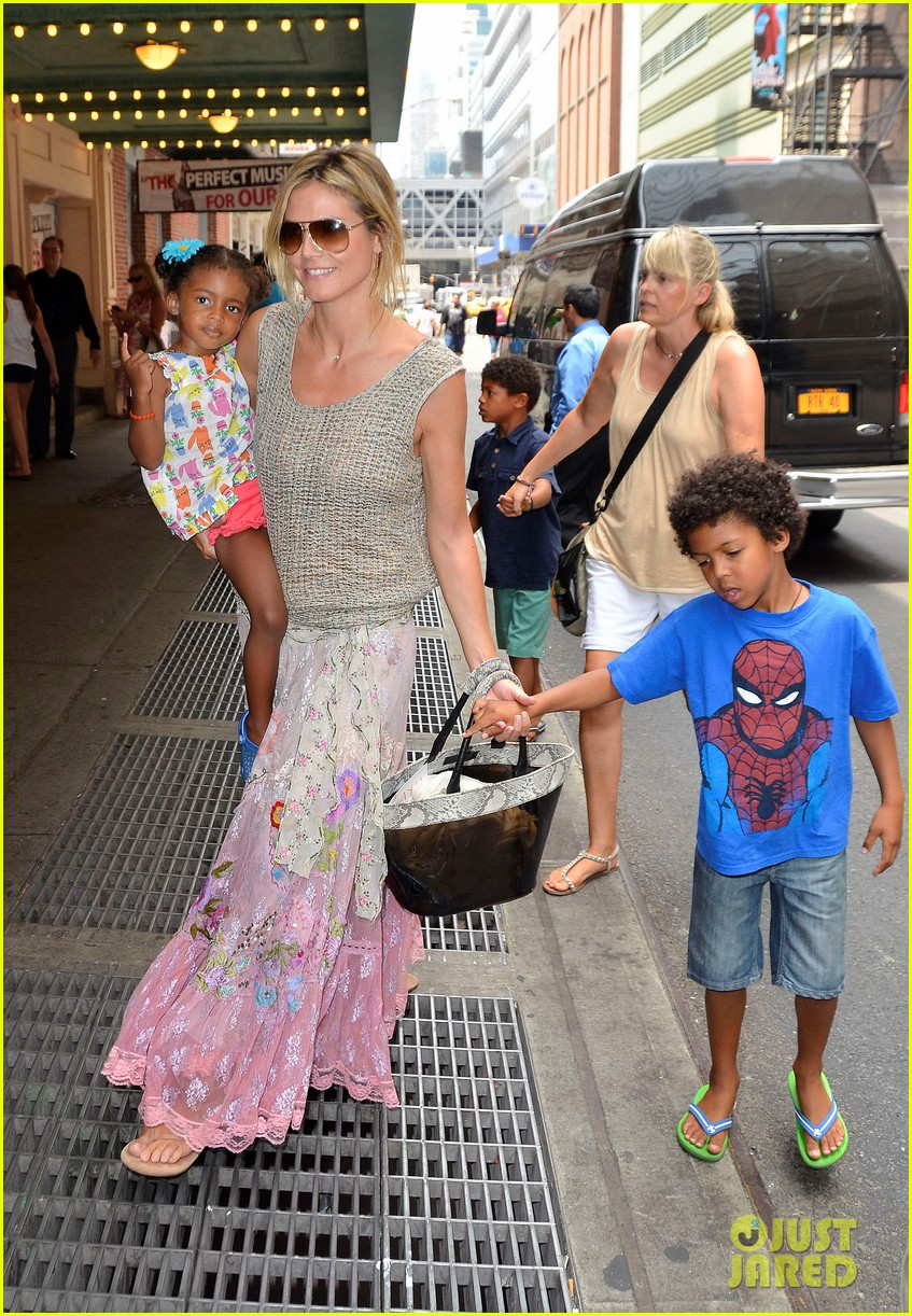 heidi klum broadways newsies with the kids 062684719