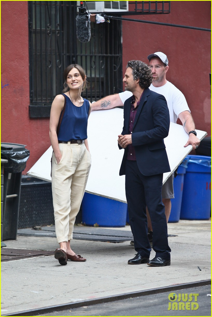 keira knightley mark ruffalo kiss 11