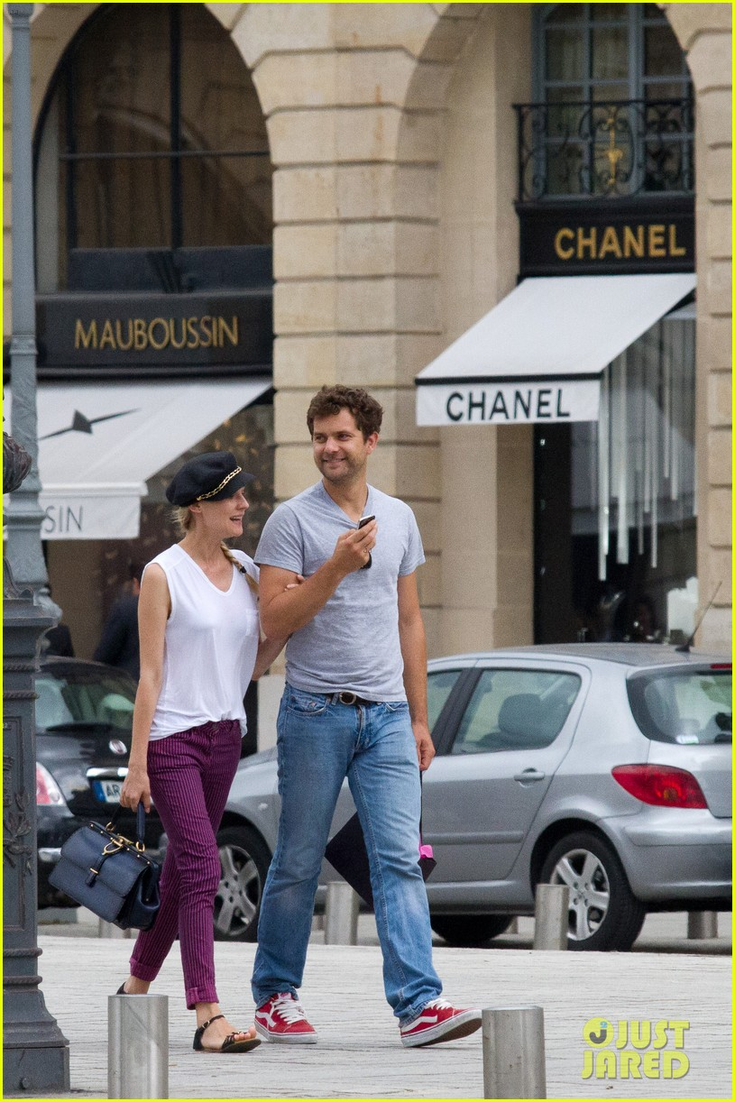 diane kruger joshua jackson carnival couple in paris 012683602