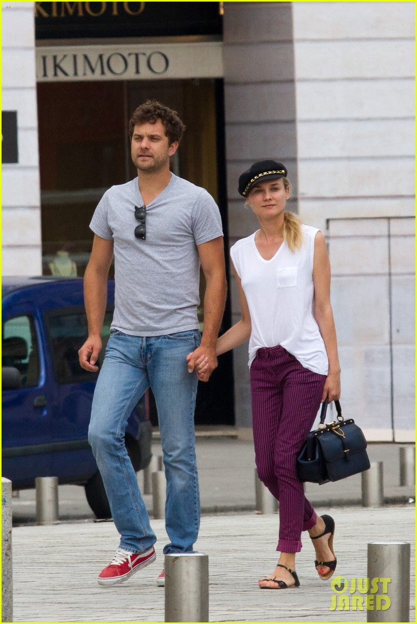 diane kruger joshua jackson carnival couple in paris 05