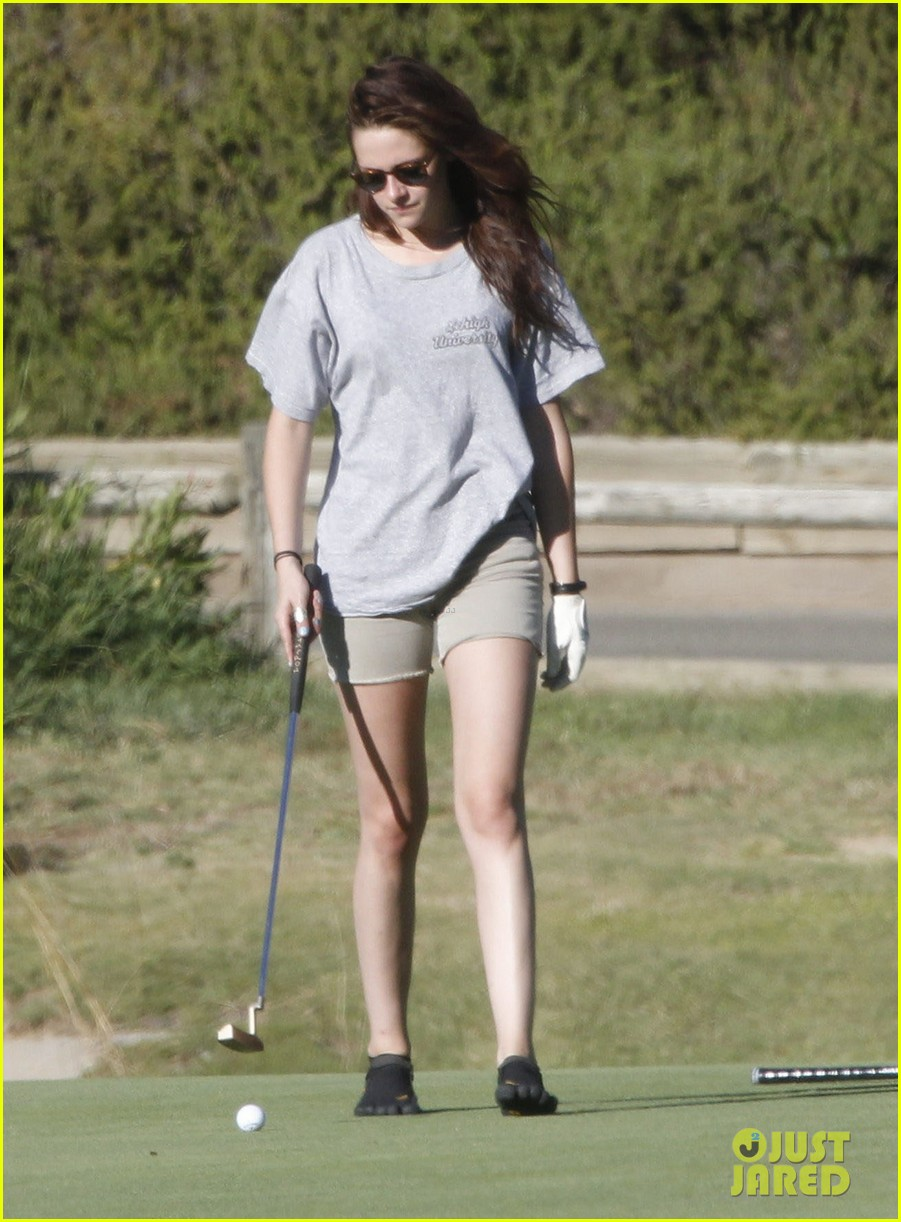 kristen stewart out golfing 122690039