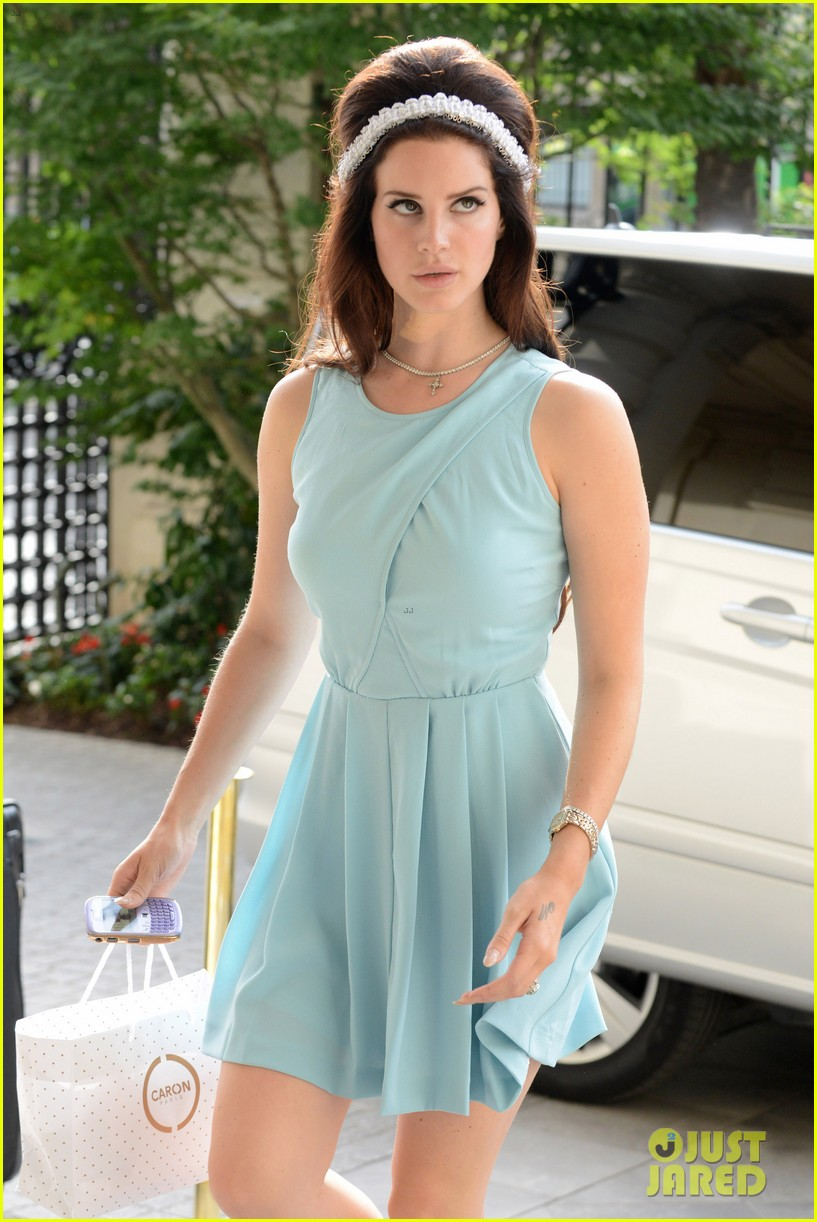 lana del rey lunches with harvey weinstein 05