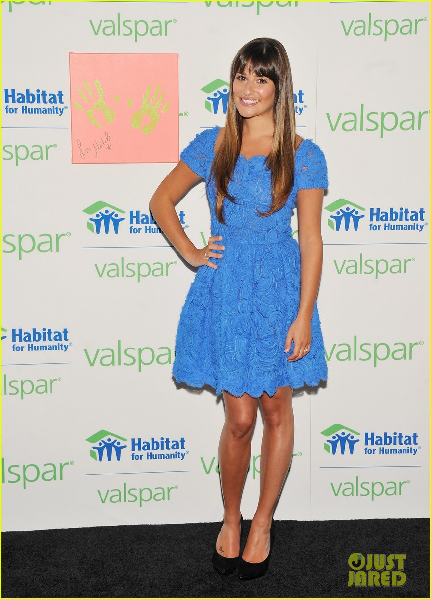 lea michele hands for habitat unveiling 032689849