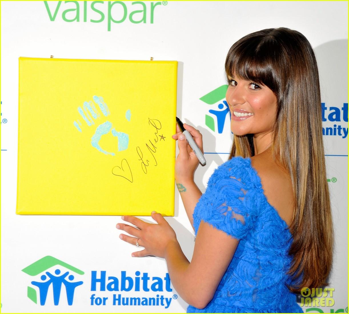 lea michele hands for habitat unveiling 082689854