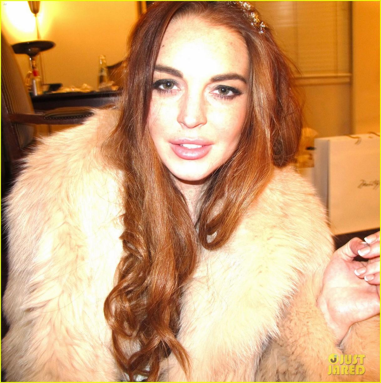 Watch PICS: Lady Gaga and Lindsay Lohan's Chateau Marmont sleepover video