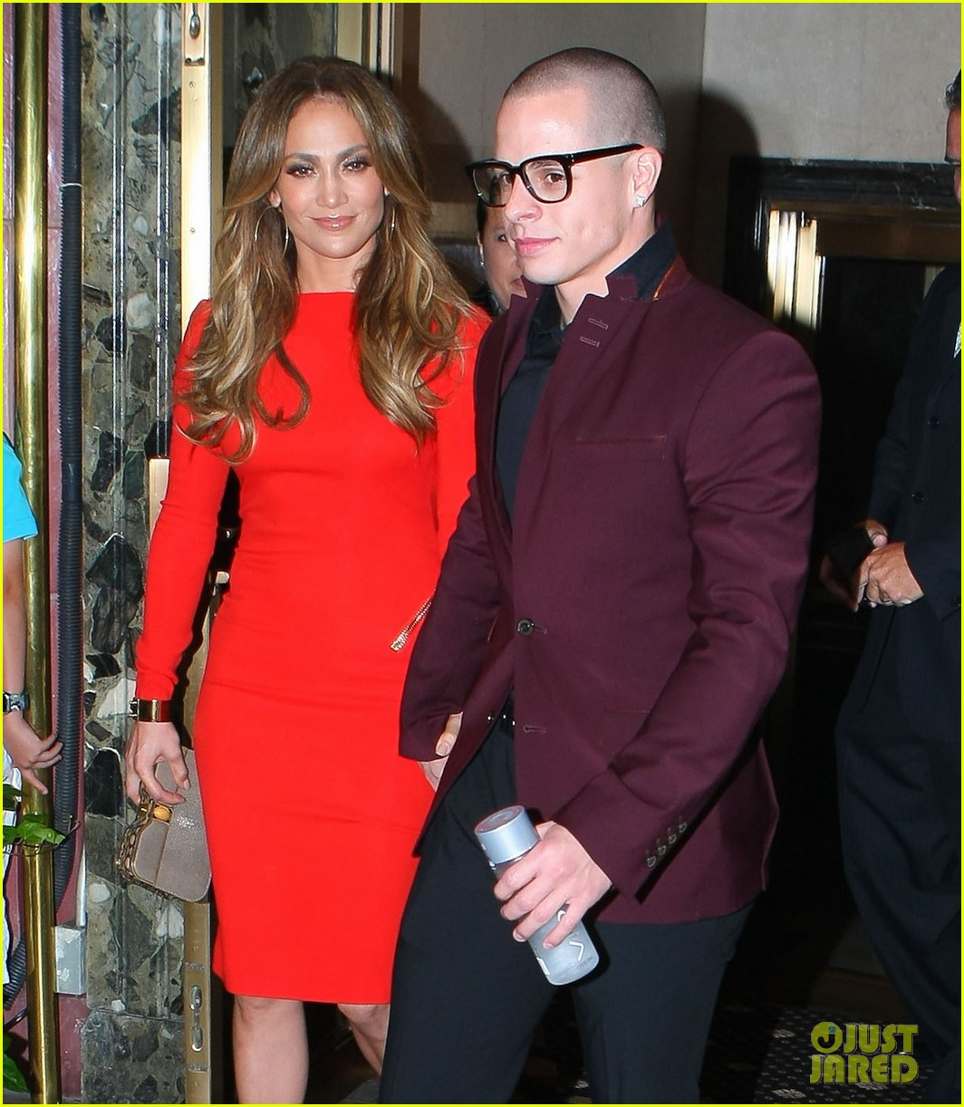 jennifer lopez birthday celebration with casper smart 03