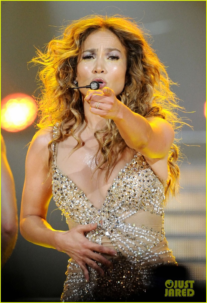 jennifer lopez talks idol exit at first us tour stop 14