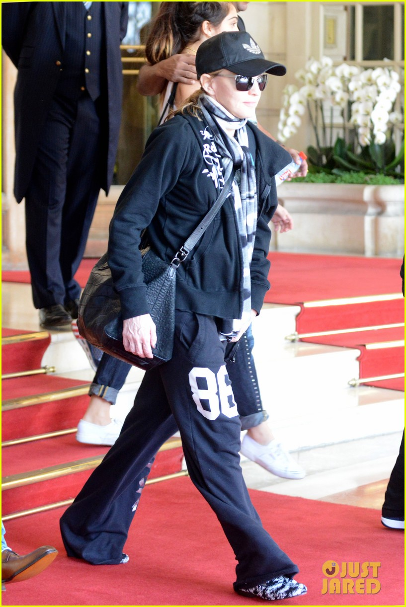 madonna leaving hotel 03