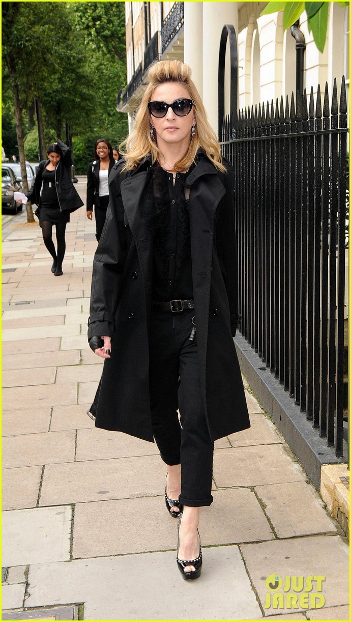 madonna london hotel arrival 012689997