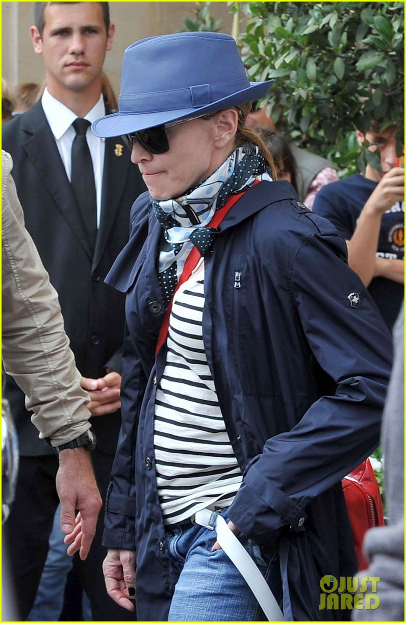 madonna leaving the ritz 012693957