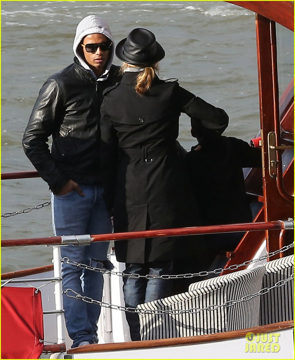 madonna seine river cruise with brahim zaibat and the family 01