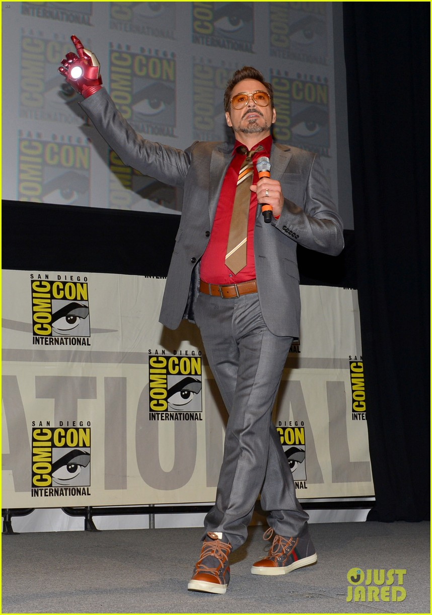 robert downey jr don cheadle marvel panel at comic con 012687609