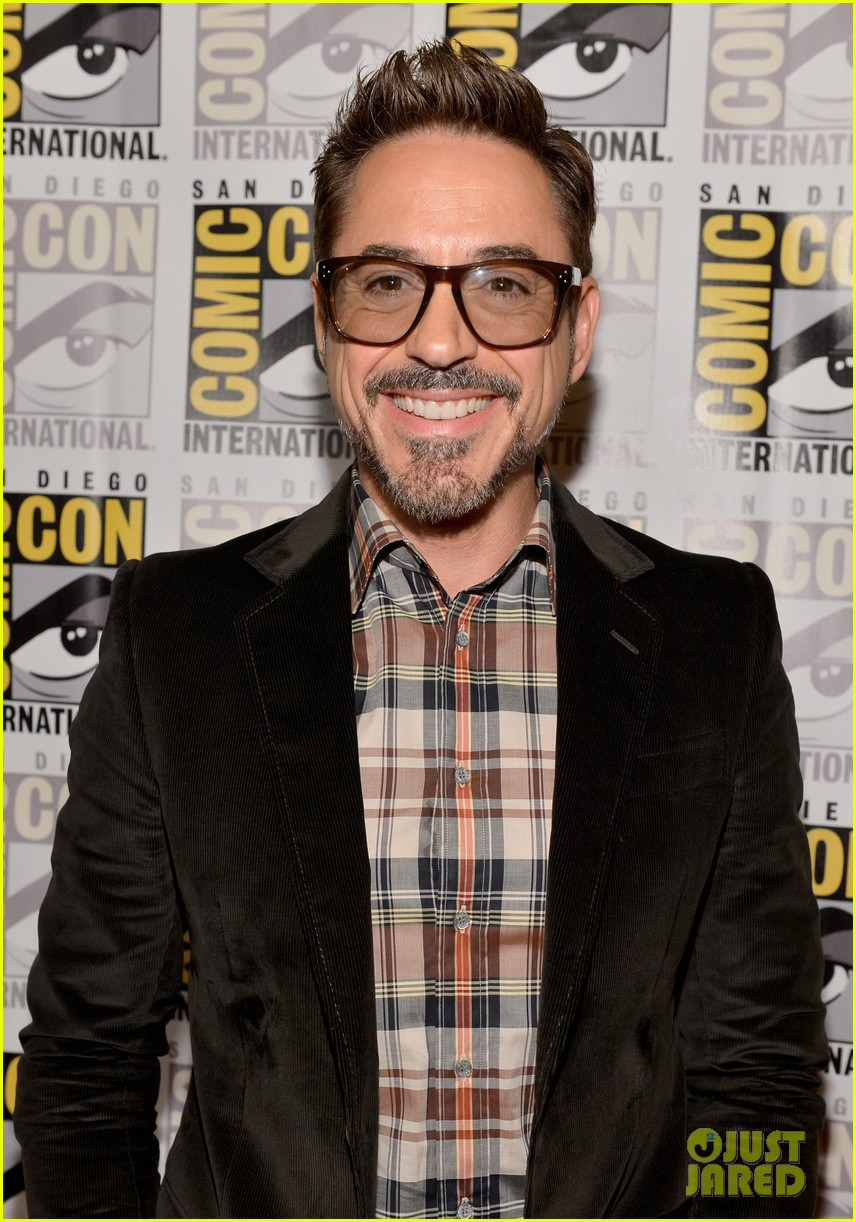 robert downey jr don cheadle marvel panel at comic con 15