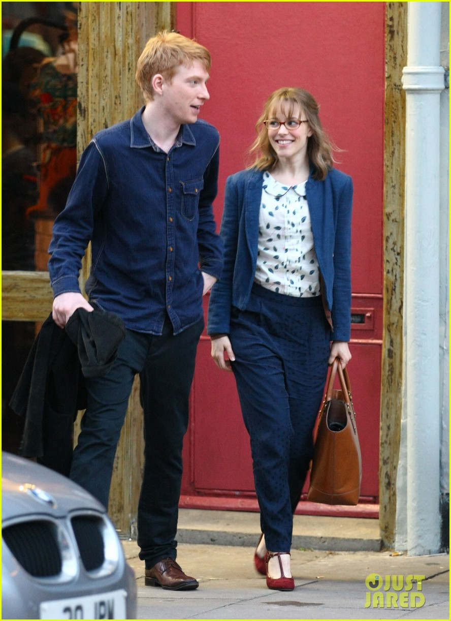 rachel mcadams pregnant on set 02