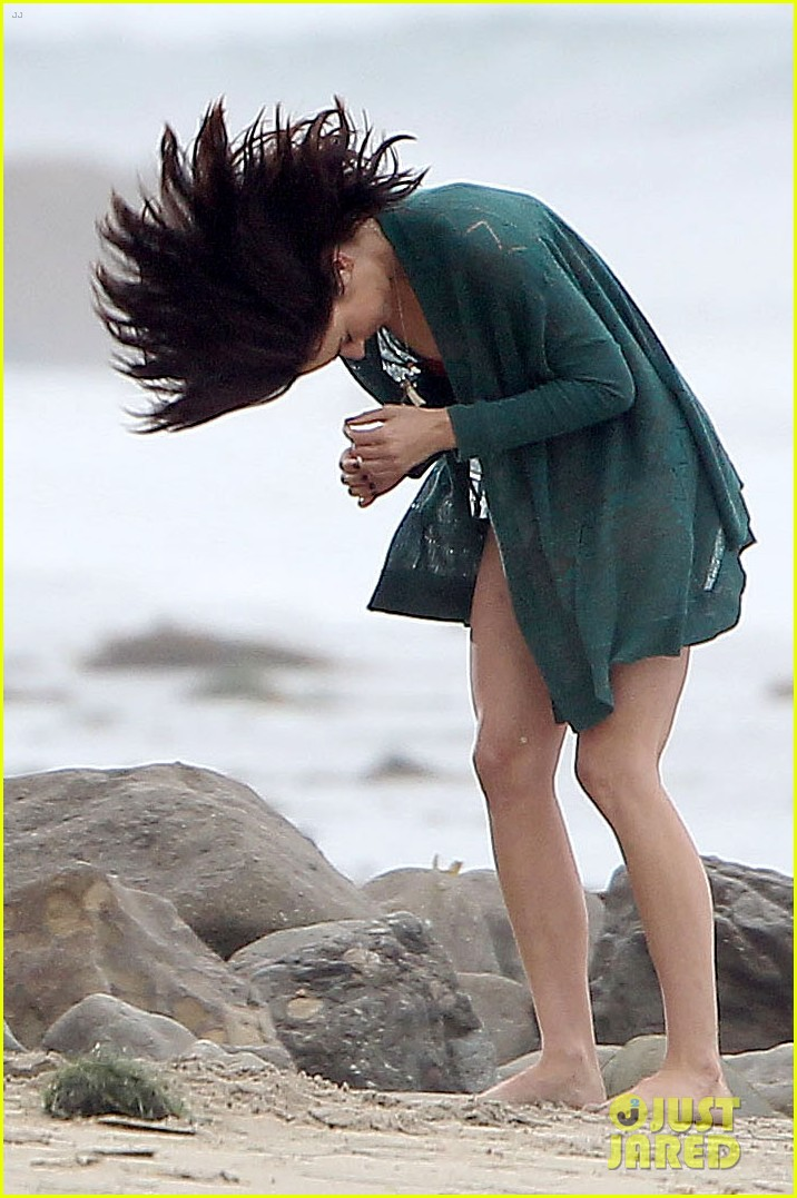 annalynne mccord jessica lowndes 90210 bikini babes 07