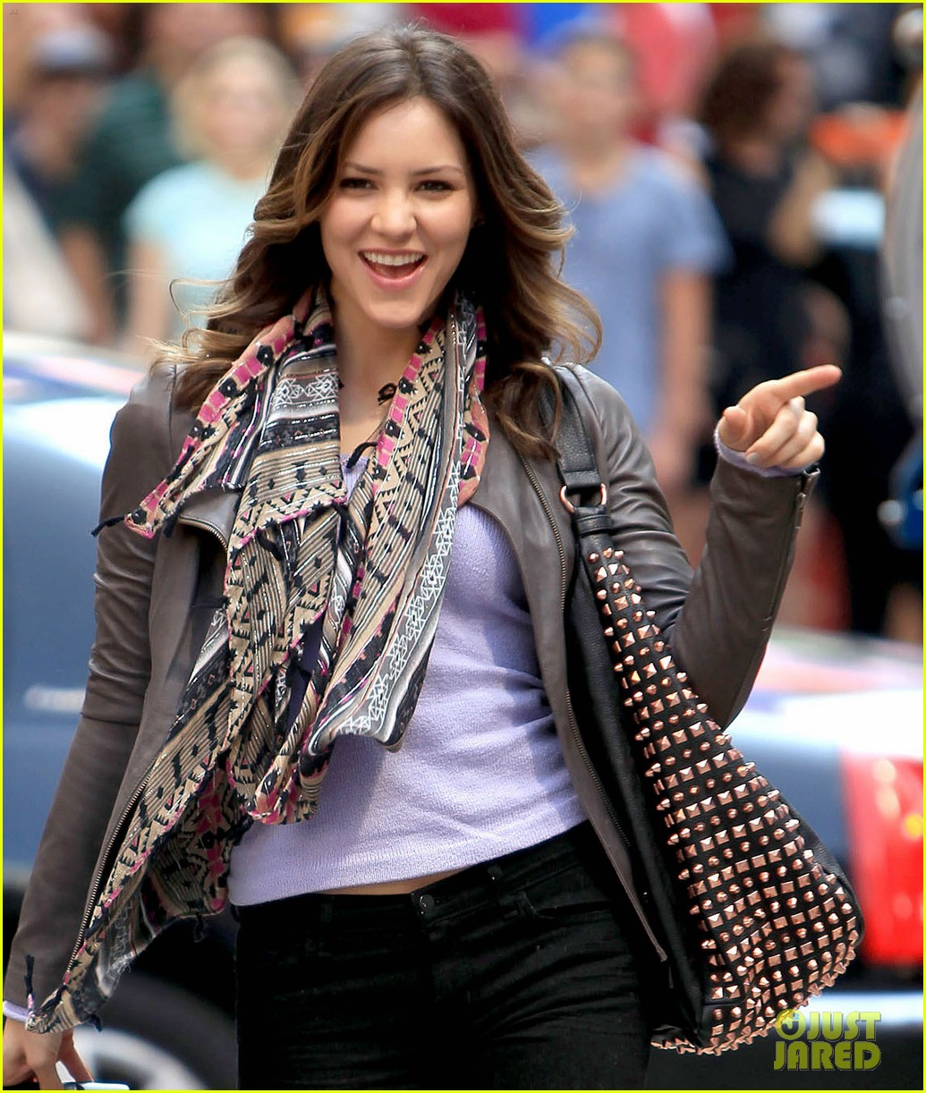 katharine mcphee smash filming on broadway 052693928